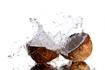 Những nguy hiểm ít người biết khi uống nước dừa