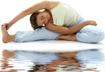 Các động tác yoga giảm đau lưng cho nhân viên văn phòng
