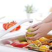 Các cách khử thuốc trừ sâu trong rau quả