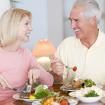 Chế độ dinh dưỡng cho người già con cái nên biết