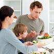 Những chế độ ăn uống cực nguy hiểm cho bé