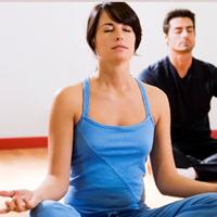 Cách hít thở bằng bụng trong Yoga