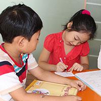Đề kiểm tra học kì 1 lớp 2 môn Toán, Tiếng Việt trường tiểu học Toàn Thắng năm 2013 - 2014