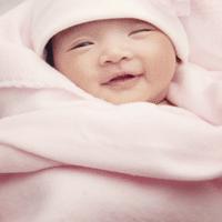 Các vị trí đặc biệt trên cơ thể trẻ sơ sinh cần được chăm sóc kỹ