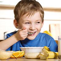 Những sai lầm nhiều mẹ thường mắc phải khi cho con ăn