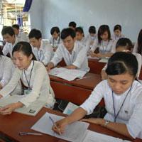 Đề kiểm tra giữa học kì 1 môn Toán lớp 12 năm học 2011 - 2012 tỉnh Bắc Giang