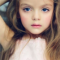 Bí quyết nuôi con gái xinh như hoa hậu