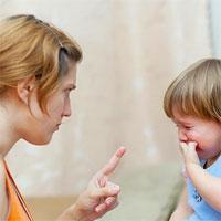 Bé chai lỳ vì cách phạt sai lầm của bố mẹ