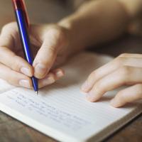 Cách viết bài luận bằng Tiếng Anh