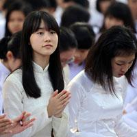 Đề thi học kì I môn Lịch sử lớp 10 cơ bản (Đề 01) - THPT Chu Văn An (2012 - 2013)