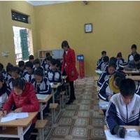 Đề thi học kì 1 môn Toán lớp 11 trường THPT Phan Ngọc Hiển, Cà Mau năm học 2015 - 2016