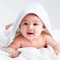 Những mốc phát triển quan trọng của bé từ 0 - 3 tuổi