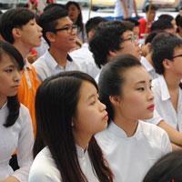 Đề thi học sinh giỏi môn Ngữ văn lớp 12 trường THPT Chuyên Nguyễn Du, Đắk Lắk năm học 2013 - 2014