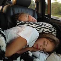 Tuyệt chiêu giúp bạn ngủ giữ sức khi đi tàu xe đường dài