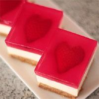 Cách làm cheesecake thạch trái tim cho ngày Valentine