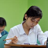 Đề thi tuyển sinh vào lớp 10 môn tiếng Anh năm học 2011-2012 Sở GD-ĐT Nghệ An