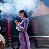 Những lưu ý về cách ăn mặc đi lễ chùa đầu năm