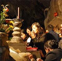 Cách cầu tự linh nghiệm ở chùa Hương