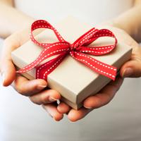 Tiếng Anh giao tiếp: Tặng và nhận quà