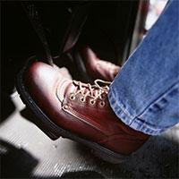 Cách tránh đạp nhầm chân ga khi đi xe số tự động