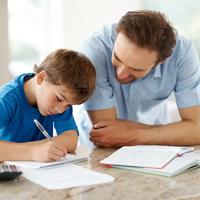Cách luyện nghe, nói tiếng Anh cho trẻ qua từng giai đoạn