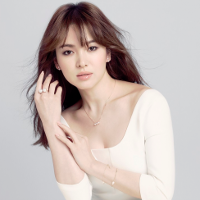 """Mê mệt kiểu trang điểm """"có mà như không"""" của Song Hye Kyo trong """"Hậu Duệ Mặt Trời"""""""