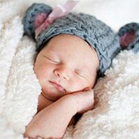 Bí quyết hay giúp đầu bé sơ sinh tròn vo