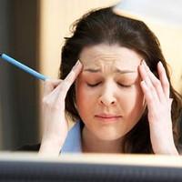 Đau nửa đầu kèm ù tai là triệu chứng của bệnh gì?
