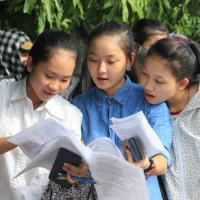 Đề thi tuyển sinh vào lớp 10 THPT Chuyên môn Tiếng Anh (Đề chung) năm học 2016-2017 tỉnh Hà Nam có đáp án