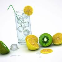 Những lưu ý khi uống nước đá để không hại sức khỏe