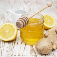 Mẹo chữa đau họng nhanh bằng mật ong