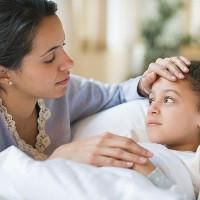 Cách lau mát hạ sốt cho bé tại nhà