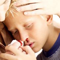 """""""Điểm mặt"""" những cách chữa bệnh truyền miệng nguy hiểm chết người"""