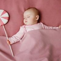 Nguyên nhân và cách phòng tránh khi trẻ sơ sinh bị bẹp đầu