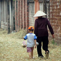 Văn mẫu lớp 12: Phân tích bài thơ Đò Lèn của Nguyễn Duy