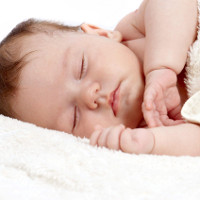 Coi chừng mắc bệnh nguy hiểm khi trẻ sơ sinh ngủ li bì
