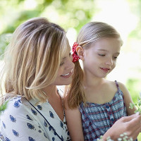 Bí quyết giúp mẹ dạy con gái hiểu rõ về kinh nguyệt