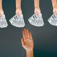 Cách từ chối khéo khi bị hỏi mượn tiền
