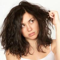 Bí quyết chọn dầu gội đầu phù hợp với từng loại tóc