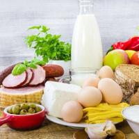 Bài tập Tiếng Anh lớp 7 Chương trình mới Unit 5: VietNamese Food and Drink