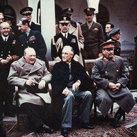 Câu hỏi trắc nghiệm Lịch sử lớp 12: Chiến tranh lạnh (1945 - 2000)