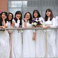 Đề thi học kỳ 2 môn Tiếng Anh lớp 12 trường THPT Trần Hưng Đạo, TP Hồ Chí Minh năm học 2016 - 2017 có đáp án