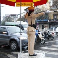Văn mẫu lớp 5: Tả chú cảnh sát điều khiển phương tiện giao thông