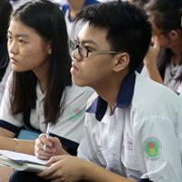 Đề thi vào lớp 10 môn Ngữ văn trường THPT (chuyên) Sở GD&ĐT Quảng Nam năm học 2017 - 2018