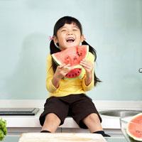 Giáo án lớp cơm nát (19 - 24 tháng): Bé khám phá quả dưa hấu