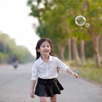 """Giáo án lớp lá (5 - 6 tuổi): Kể chuyện """"Ba cô gái"""""""