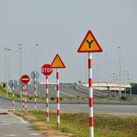 Giáo án lớp lá (5 - 6 tuổi): Nhận biết một số loại biển báo giao thông