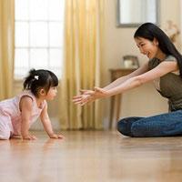 Lập dàn ý bài văn tả hoạt động của một em bé đang tuổi tập nói, tập đi