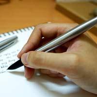 Lập dàn ý tả chiếc bút mực lớp 4