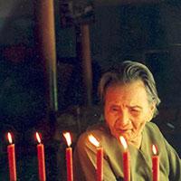 Kể chuyện về bà mẹ Việt Nam anh hùng